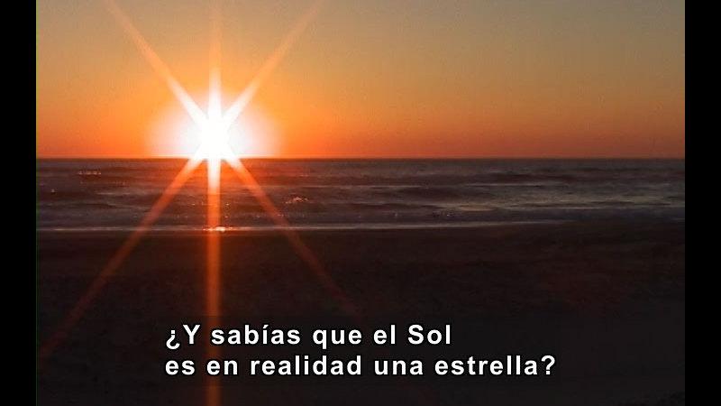 Still image from Sun and Stars (Spanish)