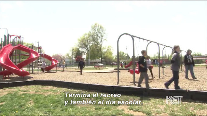 Still image from Welcome to Our School (Spanish)