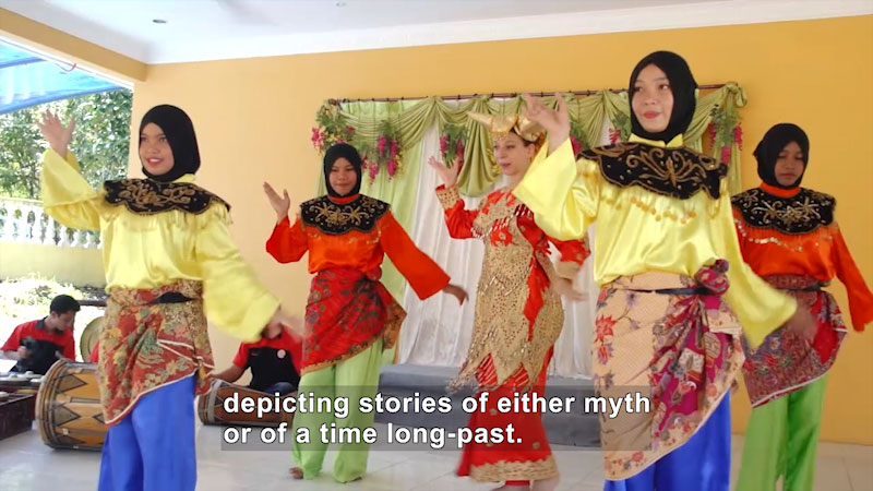 Still image from Bare Feet With Mickela Mallozzi: Malaysia (Part 1)