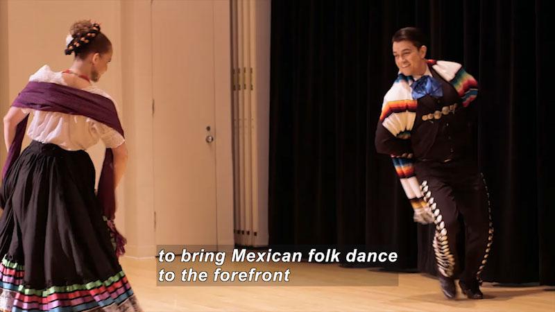Still image from Bare Feet With Mickela Mallozzi: ¡Viva La Mexico!