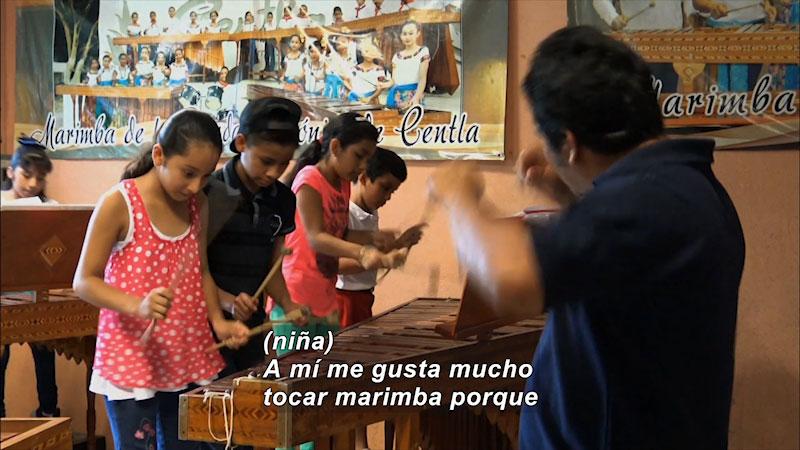 Still image from Our Musical Adventure: Centla and Capulalpam de Méndez (Spanish)