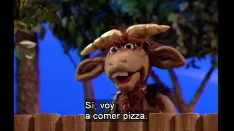 Still image from Salsa 13: Three Clever Goats (Spanish)