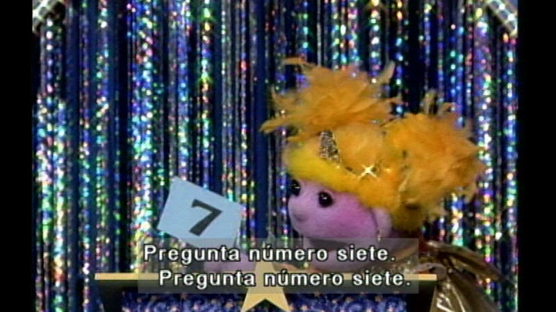 Still image from Salsa 206: Quiz Show: What Is It This Time? (Spanish)