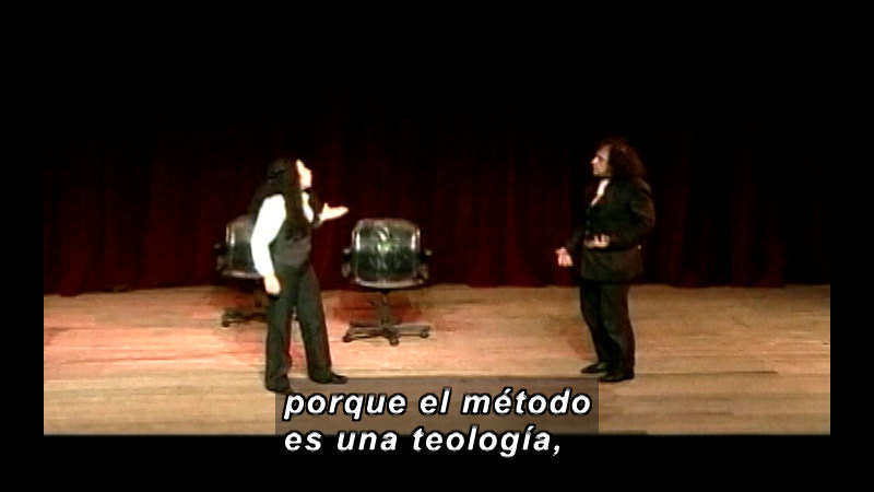 Still image from Vox Populi-Method (Spanish)