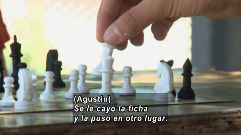 Still image from S.O.S. Interveners: Games (Spanish)