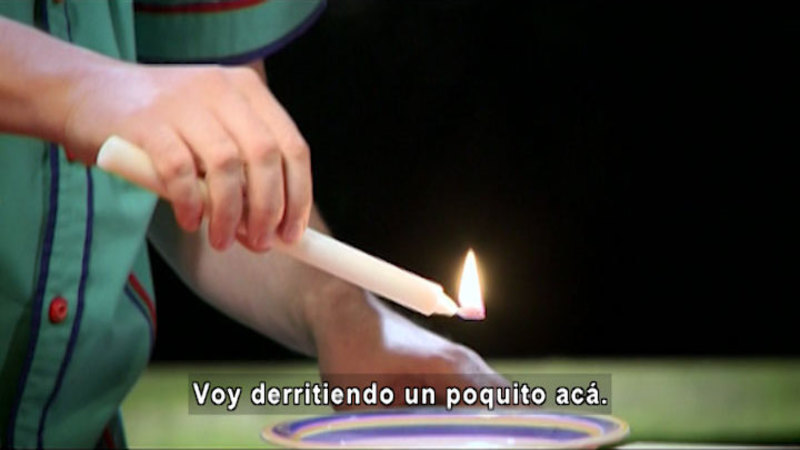Still image from The House of Science: Candles And Measurements (Spanish)