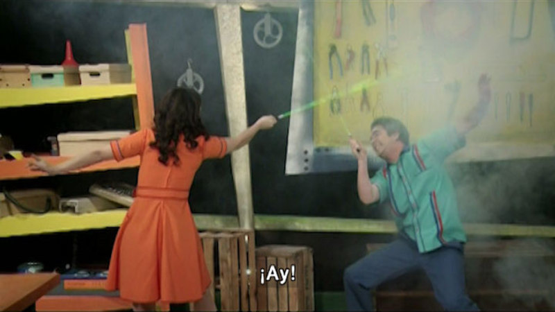 Still image from The House of Science: Flies And Lasers (Spanish)