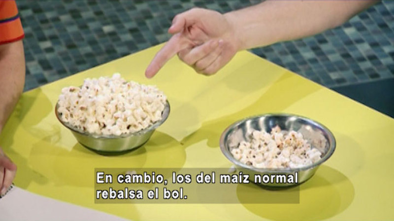 Still image from The House of Science: Popcorn And Eye Glasses (Spanish)