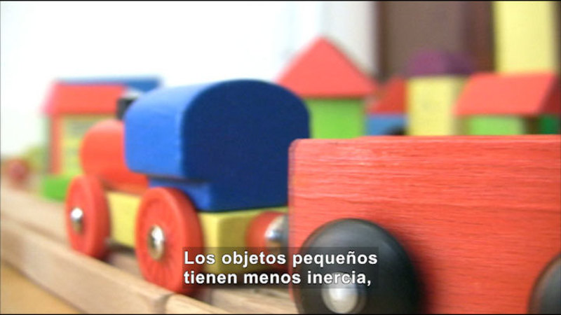 Still image from Science Video Vocab: Inertia (Spanish)