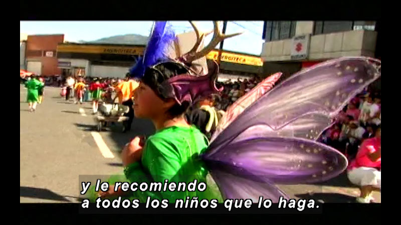 Still image from Colombia Express: Carnival Of Blacks and Whites (Spanish)