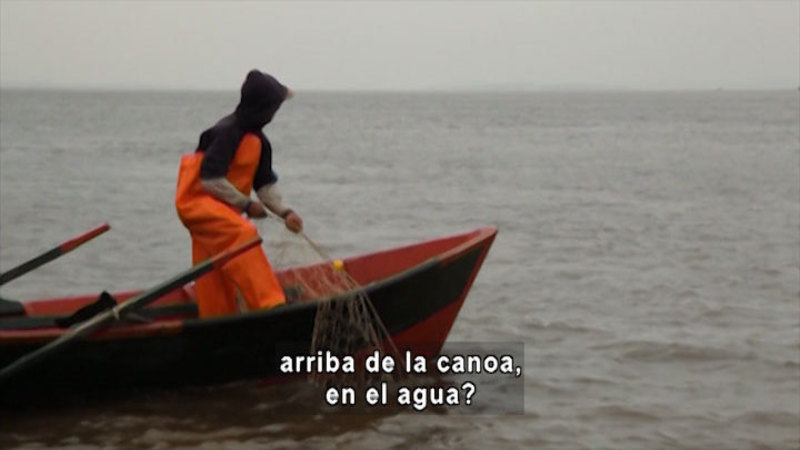 Still image from Pedro Pescador: A Neighbor, A River (Spanish)