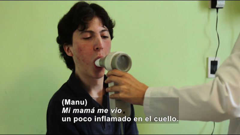 Still image from My Life With Myself: Living With FOP (Spanish)