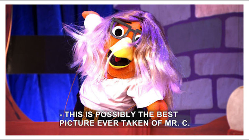 Still image from The Chica Show: Chica's Fashion Squeak/Cheerleading Chica
